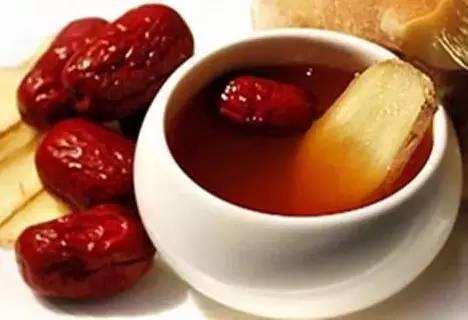 现在是三伏天,有人建议我每天早上喝红枣生姜水去湿寒,您觉得呢?